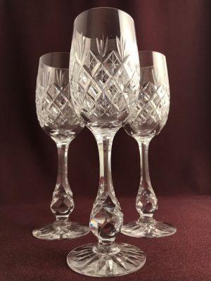 Kosta boda – Pompadour –  3 st Röd Vin glas – Fritz Kallenberg