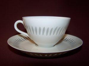 Arabia- Rivi - kaffekopp med fat - Design Friedl Holzer Kjellberg