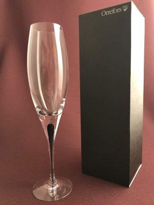 Orrefors - intermezzo blå 6 st champagneglas / strut Design Erika Lagerbielke