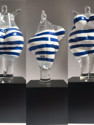 Kosta Boda - Badhytt - Badkvinna design Kjell Engman - Nytt från glasprinsen