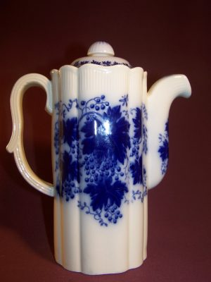 Gefle - Choklad kanna - Vinranka flytande blått- Arthur Percy