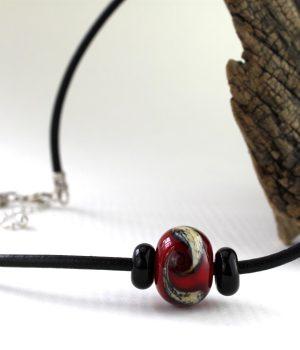 Living Glass - Halsband - Unikt Silver / Röd Svart design Marianne Degener
