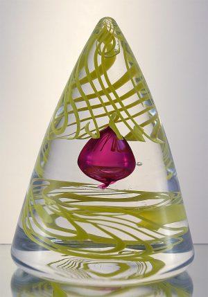 1100 Grader - Konstglas - Swirling Pyramid - Big unikat design Malin Tehagen