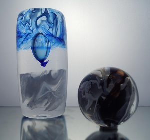 1100 grader - Konstglas - Family Cylinder Icy design Malin Tehagen