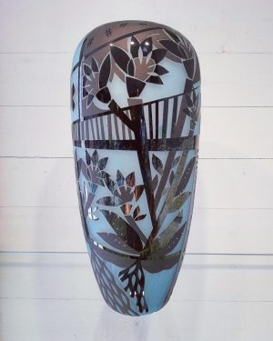 Konstglas Unikat - Hollow Heads - Sandblästrad design Betina Huber