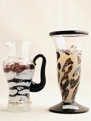 Kosta Boda -Miniatyr 2 st karaff & Vas design Kjell Engman