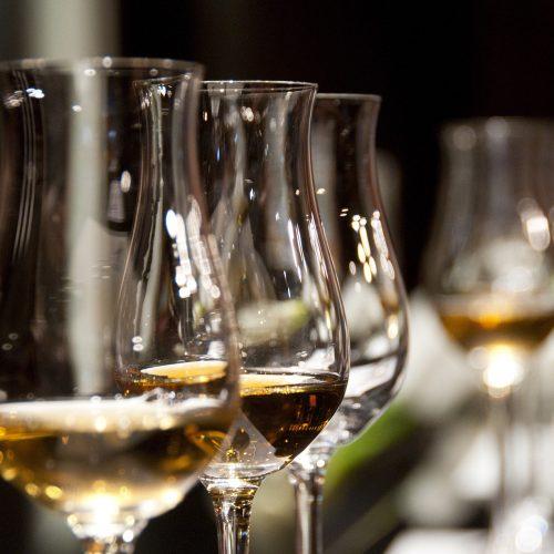 wine-glasses-1246240_1920